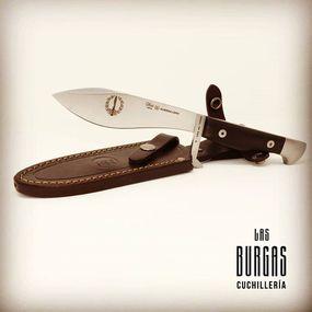 ⠀⠀⠀⠀⠀⠀⠀⠀⠀ Nuestro conocido fabricante de cuchillos Miguel Nieto,lanzó como novedad este cuchillo C.O.E Guerrillero🧐 ⠀⠀⠀⠀⠀⠀⠀⠀⠀ El modelo original de este cuchillo fue diseñado en 1942 para las tropas de montaña del Ejercito Español. Las primeras unidades en tenerlo fueron las de Escaladores, de montaña, Guerrilleros, la COE…🔝🔝 Fantástico cuchillo de Acero Vanadio 1.4116, el filo del cuchillo es recto por lo que podrás hacer cortes sin afectar a un corte limpio❕❕ ⠀⠀⠀⠀⠀⠀⠀⠀⠀ 👉Su empuñadura es lo que llama la atención ya que Nieto ha escogido un material totalmente natural que proviene del nogal🌲de ahí su color marrón oscuro con vetasConsulta nuestra web y descúbrelo www.cuchillerialasburgas.com#cuchillerialasburgas #exclusive #montaña #supervivencia #miguelnieto #miguelnietoknives #coleccionismo #nietoguerrillero #knife #nietoknives #edcknife #edc #edicionlimitada #experiencia #calidad #combatknife #cuchillomilitar #bushcraft #knifecollection #knifecollectors #madeinspain #knifephoto #knifefanatic